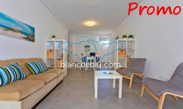 Crono Crono new holiday apartment to let facing the sea in the centre of Marina di Ragusa living room