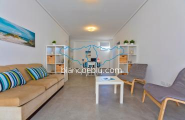 B&B Bianco e Blu - Marina di Ragusa - Crono Crono new holiday apartment to let facing the sea in the centre of Marina di Ragusa living room