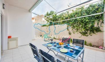 Gaya gaya new holiday apartment in the centre of Marina di Ragusa terrace