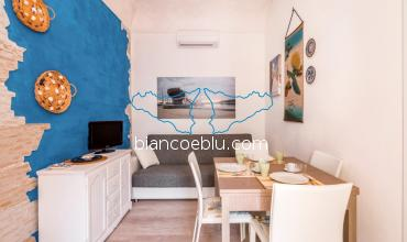 Teti Teti small holiday apartment close to the main square and the beaches of Marina di Ragusa living room